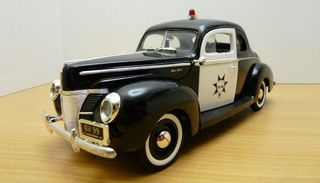 1/18 1940 Ford Deluxe Coupe Police Car