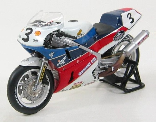 1/12 1988 Honda RC30 #3 Isle of Man TT