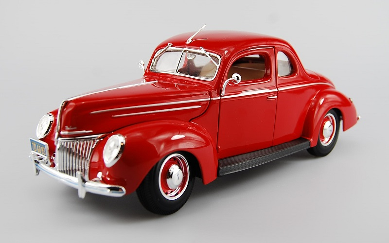 1/18 1939 Ford Coupe